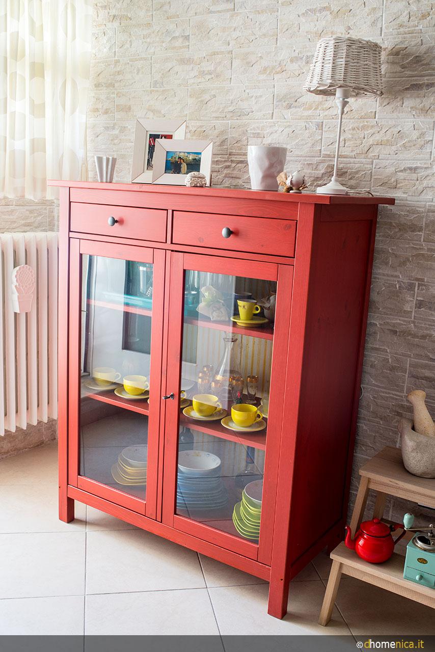 Un tocco di rosso in casa il blog di - Mobile bagno rosso ikea ...